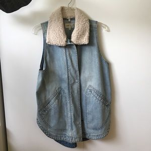 Adorable Denim Vest with Faux Sherpa Collar